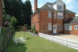 Flat To Let  Walkers Road Buckinghamshire HP27