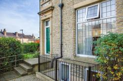 Terraced House To Let  Birkby Hall Road West Yorkshire HD2