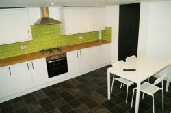 Terraced House To Let  Beaumont Street West Yorkshire HD5