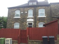 Terraced House To Let  Yews Mount West Yorkshire HD1