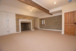 Detached House To Let  Slaithwaite West Yorkshire HD7