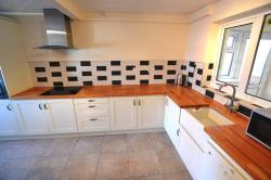 Semi Detached House To Let  LEAMINGTON SPA Warwickshire CV33
