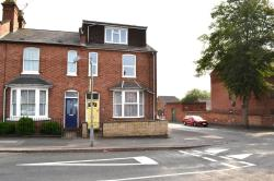 Terraced House To Let  Leamington Spa Warwickshire CV32