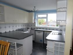 Flat To Let  Leatherhead Surrey KT22