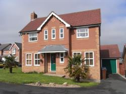 Detached House To Let  Thackley West Yorkshire BD10
