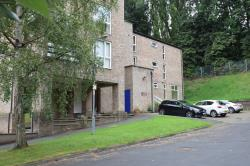 Flat To Let  Frizinghall West Yorkshire BD9