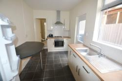 Flat To Let Humberstone Leicester Leicestershire LE5