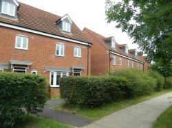 Terraced House To Let  Robins Crescent Lincolnshire LN6