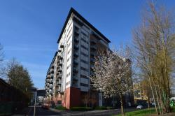 Flat To Let  Salford Quays Greater Manchester M5