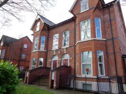 Flat To Let Polygon Road Crumpsall Greater Manchester M8