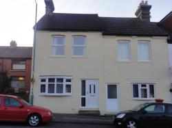 Terraced House To Let  Gillingham Kent ME7