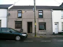 Terraced House To Let Cefn Coed Merthyr Tydfil Glamorgan CF48