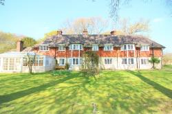 Detached House To Let  Wootton Hampshire BH25