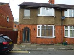 Terraced House To Let  Northampton Northamptonshire NN5