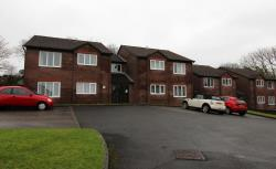 Flat To Let  Pinewood Drive Devon PL6