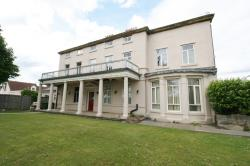 Flat To Let  Grove Hall West Yorkshire WF11