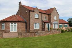 Detached House To Let  Howden East Riding of Yorkshire DN14