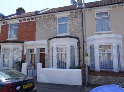 Terraced House To Let  Essex Road Hampshire PO4