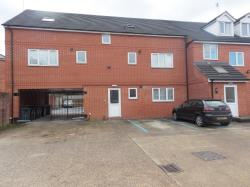 Flat To Let  Langley Court Berkshire RG1