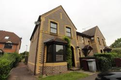 Terraced House To Let  Rowe Court Berkshire RG30