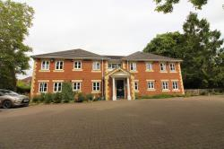 Flat To Let  Fry Court Oxfordshire RG4