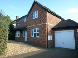 Detached House To Let  Emmer Green Oxfordshire RG4