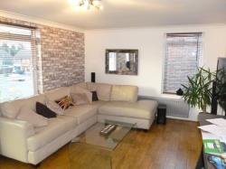 Flat To Let  Romford Essex RM11