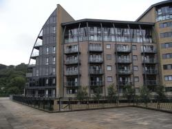 Flat To Let  Shipley West Yorkshire BD17