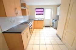 Terraced House To Let  Slough Buckinghamshire SL2