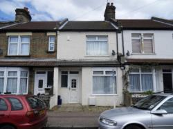 Terraced House To Let  Shoeburyness Essex SS3