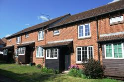 Terraced House To Let  ST ALBANS Hertfordshire AL4