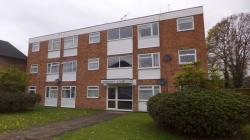 Flat To Let  Staines Surrey TW18