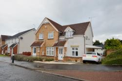 Semi Detached House To Let  Cruckburn Wynd Stirlingshire FK7