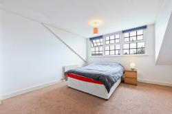 Flat To Let  Mandrell Road Greater London SW2