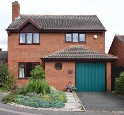 Detached House For Sale  Glascote Staffordshire B77