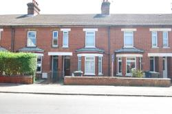 Semi Detached House To Let  Tonbridge Kent TN10