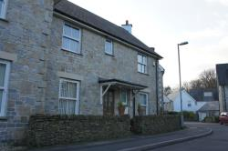 Semi Detached House To Let  HAYLE Cornwall TR27
