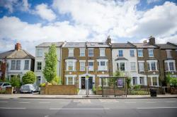 Flat To Let  Stanley Road Middlesex TW11