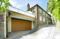 Detached House To Let  LEWES East Sussex BN7
