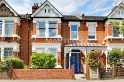 Terraced House To Let  South Woodford Greater London E18