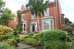 Flat To Let  Alderley Edge Cheshire SK9