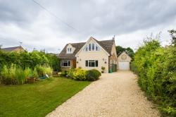 Detached House For Sale  WITNEY Oxfordshire OX29