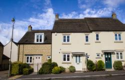 Terraced House To Let  CARTERTON Oxfordshire OX18