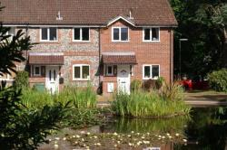 Terraced House To Let  LIGHTWATER Surrey GU18