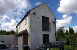 Detached House To Let  Wolverhampton Staffordshire WV4