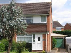 Semi Detached House To Let  Pershore Worcestershire WR10