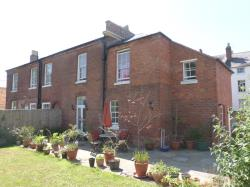 Semi Detached House To Let  Green Hill Worcestershire WR5