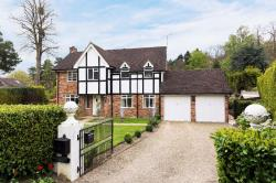 Detached House For Sale Holmes Close Sunnighill Berkshire SL5