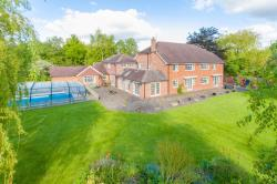 Detached House For Sale Weston Turville Aylesbury Buckinghamshire HP22