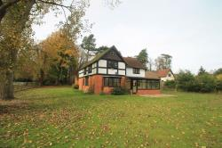 Detached House To Let Wing Leighton Buzzard Bedfordshire LU7